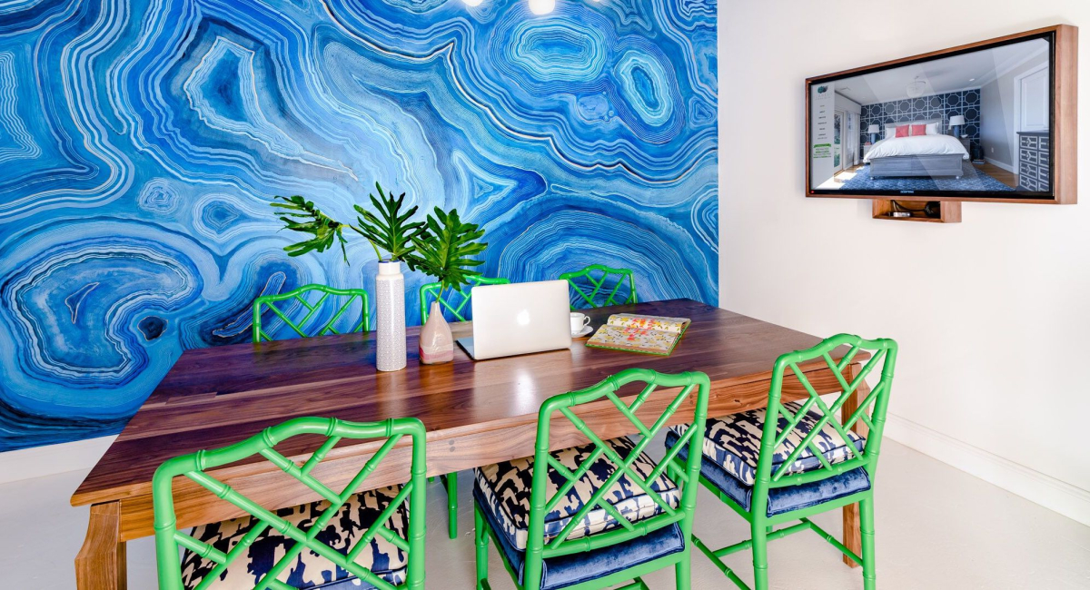 blakely-interior-design-consultation-in-office-tenrod-rd-kingstown-agate-mural-green-chairs